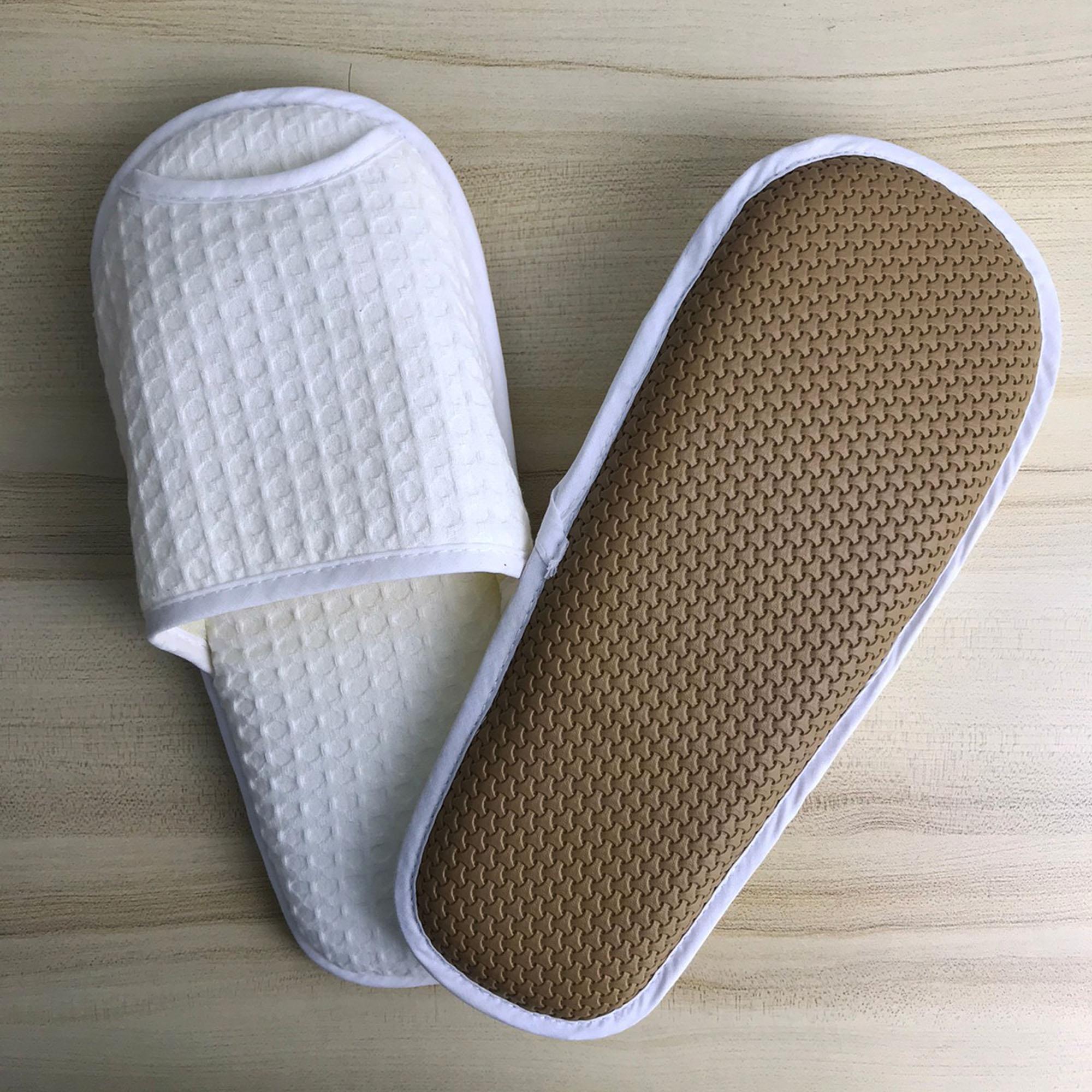 รองเท้ารังผึ้ง